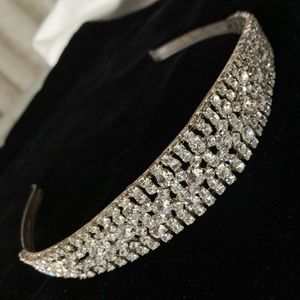 Accessories - 🆕🔥Very Sparkly Crystals Thick Crown Headband
